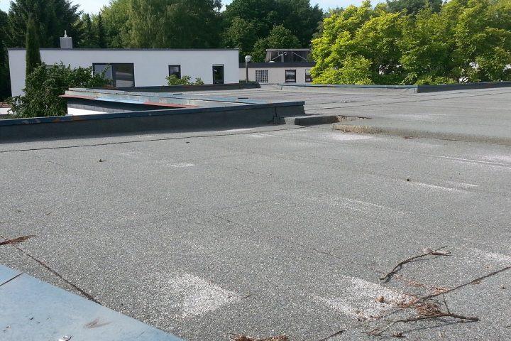 Welke soorten dakbedekking zijn geschikt voor een plat dak?
