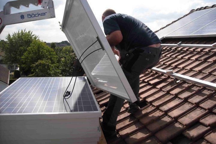 Zelf zonnepanelen plaatsen, doenbaar?