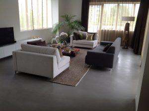 Kunststof vloeren met een betonlook uitstraling