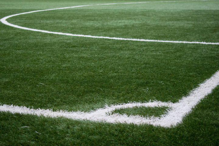 Kunst- of natuurgras: waar kies je als amateurvoetbalclub voor?