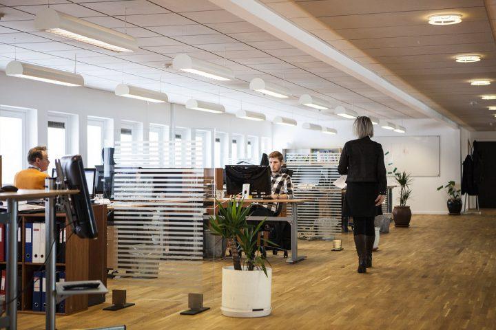 Hoe je een ervaren kantoorinrichter kunt vinden
